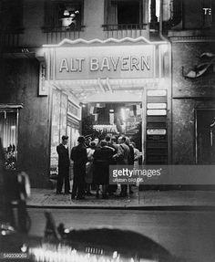 Berlin: Kabarett 'Alt Bayern' in der Friedrichstrasse 1939 Cabaret, Berlin Photos, Berlin Street, The Second City, City Scene, Scenic Design, Historical Photos, Germany, How Are You Feeling