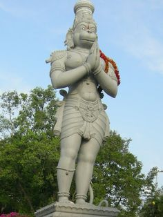The massive statue of Hanuman, en route to Tirumala, can be seen while going on foot, or if you are driving down.