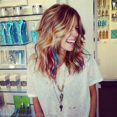 kinda want some crazy bright streak/ tips... so bored with my hair!