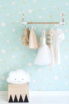 papel-pintado-dormitorio-precioso-infantil-estampado-conffeti-turquesa-blanco-minimoi