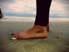 I love the mountain tattoo on the foot, dont usually like foot tattoos but this is beautiful, i would get this
