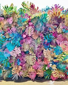 Leaves painting with colours spray monstera Paper Leaves, Paper Flowers, Diy And Crafts, Paper Crafts, Tropical Party, Backdrops For Parties, Flower Wall, Event Decor, Event Design