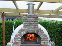 Just a perfect day Small Pizza, Four A Pizza, Bread Oven, Pizza Ovens, A Perfect Day, Barbecue, Lanterns, Projects To Try, Lego