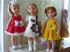 Photo of doll dresses. No pattern or tutorial.  Inspiration only.  (in a foreign language)