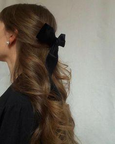 half up half down hair with bow - half up half r-halb hoch halb runter Haare mit Schleife – halb hoch halb runter Haare mit Schl… half up half down hair with bow – half up half down hair with bow – – – # Cream cheese lemon bar - Hair Inspo, Hair Inspiration, Hair Day, Pretty Hairstyles, Scarf Hairstyles, Classy Hairstyles, Straight Hairstyles, Hair Goals, Her Hair