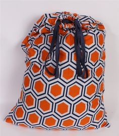 Our Roma Orange College Laundry Bag has a cool pattern that you can pick out to match your #dorm #decor. The orange and blue hues create a great balance between vibrant and mellow. http://www.dormco.com/SearchResults.asp?Search=Roma+Orange+-+College+Laundry+Bag