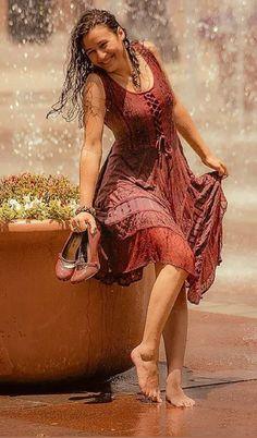 Walking In The Rain, Singing In The Rain, I Love Rain, Rain Dance, Rain Photography, Rainy Day Photography, Happy Photography, Color Photography, White Photography