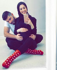 this could he us but ap rehty ee door ho😔 Muslim Couple Photography, Maternity Photography, Family Photography, Photography Ideas, Cute Muslim Couples, Muslim Girls, Cute Couples, Photo Couple, Couple Shoot