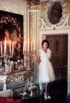 Burt Glinn FRANCE. Paris. 1963. Sophia Loren in the Christian Dior Salon of the Lancaster Hotel