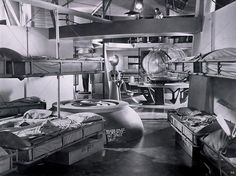 Film Set interior of United Planets Cruiser 1956 Great Sci Fi Movies, Classic Sci Fi Movies, Amazing Movies, Fantasy Movies, Sci Fi Fantasy, Planet Movie, Robby The Robot, Science Fiction Art, Fiction Movies