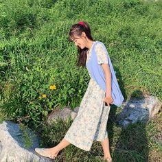 Calming Photos, Yellow Carnations, Lee Sung Kyung, Cute Posts, Just Girl Things, Cute Asian Girls, Indie Kids, Girl Power, Kpop Girls