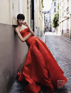 """VISUELLE: VOGUE JAPAN: Aymeline Valade in """"The Eye of the New"""" by Photographer Patrick Demarchelier"""
