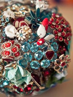 BOUQUET STYLE: teal and red broach bouquet #jewelry_bouquet #nontraditional_bouquet