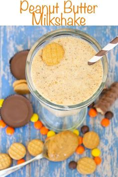 Ultimate Peanut Butter Lovers Milkshake is loaded with so many great peanut butter treats. If you love peanut butter you'll want to try this shake! Peanut Butter Milkshake, Peanut Butter Candy, Milkshake Recipes, Milkshake Drink, Milkshakes, Drink Recipes, Pasta Recipes, Dessert Drinks, Yummy Drinks