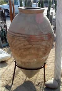 Pottery Terra Cotta Urns and Pottery for garden landscaping