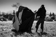 Vardaris - Once every few days Vardaris comes a strong wind that blows away everything in its way. It comes from the north and local people are used to it. But refugees in Idomeni are not. There is no way to get used to it since once you have rebuilt your tent the wind comes again and blows it away.