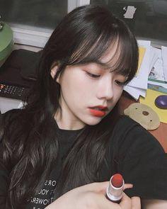 Pretty Korean Girls, Cute Korean Girl, Asian Girl, Ulzzang Hair, Ulzzang Korean Girl, Korean Bangs Hairstyle, Hairstyles With Bangs, Cute Korean Fashion, How To Cut Bangs