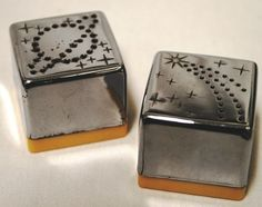 Vintage Chrome Art Deco Bakelite Saturn And Star Salt And Pepper Shakers