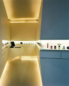 XXS - mobile phone shop design in Hamburg Germany