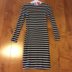 French Connection Stripes Dress 0 XS Nearly new dress. Only worn/washed once. Size 0. ❌no trades ❌ French Connection Dresses Mini