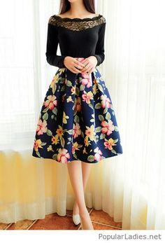 midi-floral-skirt-with-a-nice-black-lace-blouse
