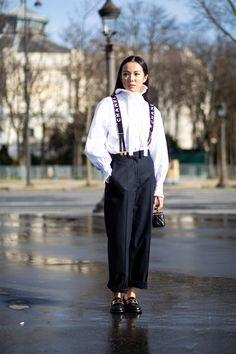 Showgoers Stepped up Their Collar Game on Day 8 of Paris Fashion Week Autumn Street Style, Street Style Looks, Cool Street Fashion, Paris Fashion, Fashion Advice, Fashion Outfits, Fashion Trends, Yoyo Cao, Style Snaps