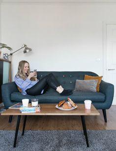 Kompakt Und Unglaublich Komfortabel Bereichert Unser Ritchie Sofa Lisas  Wohnzimmer In London. | Made Unboxed