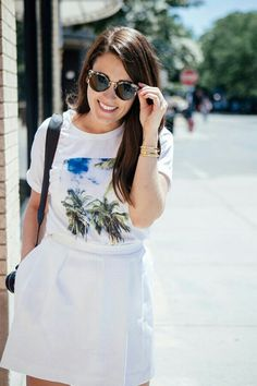 White skirt »T-shirt«