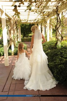 Bride & Flower Girl @ Felicita Resort in Harrisburg, PA. By Conte Photography (contephoto.com)
