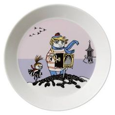 This new violet Moomin plate by Arabia features Too-ticky. It's beautifully illustrated by Arabia artist Tove Slotte and the illustrations can be seen in the or Tove Jansson, Fritz Hansen, Scandinavian Living, Plates And Bowls, Kitchen Items, Hope Chest, Finland, Decorative Plates, Table Settings