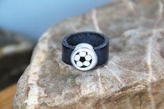 """Ringe - Lederring grau """"Fussball"""" - ein Designerstück von DaiSign bei DaWanda"""