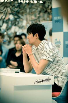 #Photography   #MINOZ    IMGUR     [https://imgur.com/P9whp03]   P05 of P08    By:  달콤한미노 (@sweetmino_)    2016 June 29 (Wed)   #ActorLeeMinHo   #LeeMinHo   #Korean #Actor #HallyuStar   #ASIA Most Popular #IDOL  Fan Sign  #Autograph   #Minoz   #GoodBase  #Korea #Ginseng   KGC   #Chokeberry   #Blueberry   #Pomegranate   #Pear    Twitter Post Date: 30 June 2016 (Thursday)
