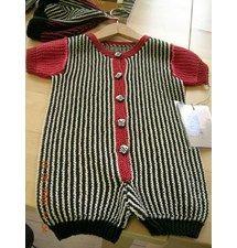 Opskrift på sommerdragt og baskerhue til baby Knitting For Kids, Baby Knitting, Baby Barn, Baby Knits, Crochet Projects, Boy Or Girl, Knitting Patterns, Knit Crochet, Children