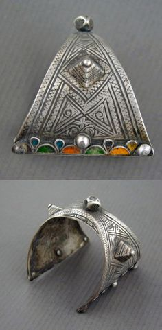 Morocco | Cuff bracelet from the Central Anti-Atlas region; probably Ida ou Nadif people | Early 20th century | Silver, niello and enamel | 290$