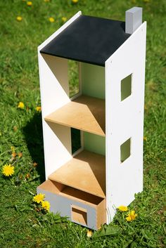 Ikea Lillabo Dollhouse (maybe I can DIY something like this...)