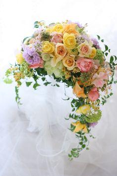 クレッセントブーケ お母様と同じブーケで ホテル京王プラザ様への画像:一会 ウエディングの花