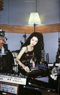 Aesthetic Indie, Deer Girl, Japanese Photography, Black Prom Dresses, Indie Fashion, Hyuna, Ulzzang Girl, K Idols, Tatoo