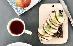 Rugbrød med æble-carpaccio