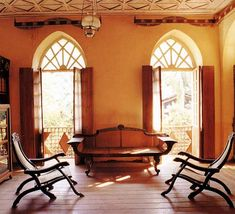 An Ancestral Mansion in Goa - Parsee, Indo-Iranian and Colonial Influences in Indian Homes Colonial India, British Colonial Decor, Goa, India Home Decor, Indian Interiors, Interior Decorating, Interior Design, Colonial Decorating, Decorating Ideas