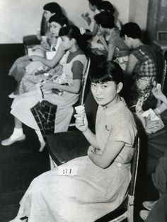 """Young girls waiting for """"Hepburn style contest"""" ヘップバーンスタイルコンテスト after Roman holiday success - Japan - 1954 Source Twitter @oldpicture1900"""