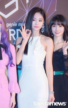 181106 Genie Music Awards - Red Carpet (Namdong Gymnasium in Namdong-gu, Incheon) Incheon, Beautiful Asian Girls, Most Beautiful Women, South Korean Girls, Korean Girl Groups, Twice Tzuyu, Gymnasium, Myoui Mina, Music Awards