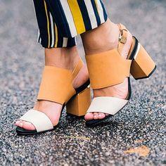 These shoes  E os saltos médios voltaram!! Amando esse bicolor @carranooficial ❤️ Depois mostro o look todo! #shoesoftheday #ilovecarrano #ootd