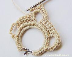 Creative Recycling - Craft and Fun: Crochet: Hoop Earrings Crochet Leaf Patterns, Crochet Earrings Pattern, Crochet Jewelry Patterns, Crochet Bikini Pattern, Crochet Leaves, Crochet Stars, Crochet Accessories, Crochet Designs, Crochet Diy