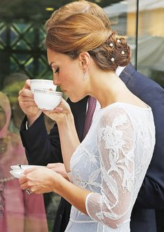 Kate Middleton, Prince William's Diamond Jubilee Tour of Southeast Asia: Stylish Sipper