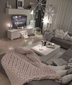 36 Cozy Living Room Design Ideas For Apartment - Home Bestiest Cozy Living Rooms, Apartment Living, Home And Living, Cozy Apartment, Small Living, Living Room Ideas, Gray Couch Living Room, Modern Living, Apartment Design