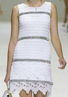 Платье крючком с подиума (D&G) 1. Вяжем образец (начало)