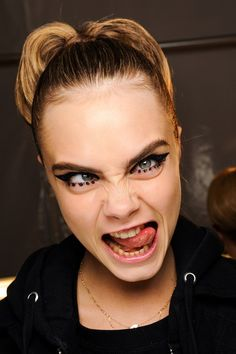 crazy look of Cara Delevingne on #AnnaSui backstage show. lol!