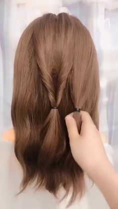 Hairstyles Tutorials Compilation 2020 New Hairstyles for long hair videos Work Hairstyles, Easy Hairstyles For Long Hair, Braided Hairstyles, Hairstyles Videos, Easy Updo Thin Hair, Hairstyle For Kids, Easy Work Updos, Cute Updos Easy, Styling Short Hair Bob