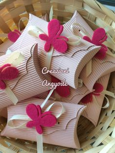 creazioni angyoile: Bomboniere prima comunione Easy Crafts, Diy And Crafts, Paper Crafts, Wedding Favors, Party Favors, Butterfly Birthday Party, Pillow Box, Candy Gifts, Diy Box