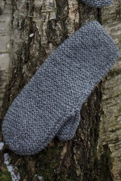 Lapaset kahdella puikolla Novita 7 Veljestä | Novita knits Crochet Chart, Knit Crochet, Easy Knitting Patterns, Knitting Ideas, Knitting Socks, Mitten Gloves, Make Your Own, Stuff To Do, Diy And Crafts
